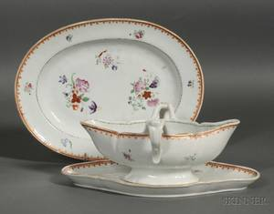 Chinese Export Porcelain Sauce Tureen and Underplate and Oval Bacon Rasher
