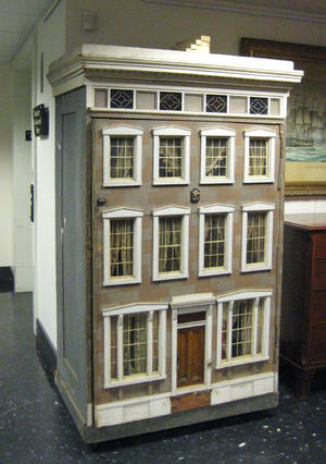 Victorian painted dollhouse ca 1890