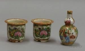 Two Miniature Chinese Export Porcelain Rose Medallion Cache Pots and a Gourdshaped Vase