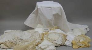 Group of Assorted Vintage Household Linens