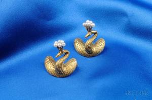 Pair of 14kt Gold and Seed Pearl Pins