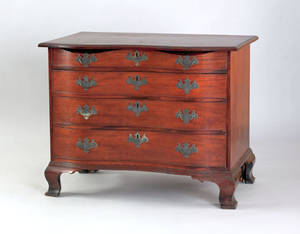 Massachusetts Chippendale mahogany serpentine chest of drawers ca 1770