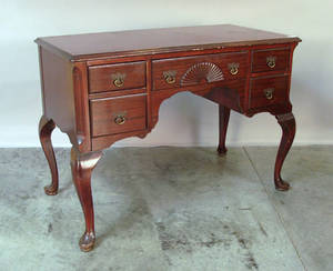Queen Anne style mahogany lowboy