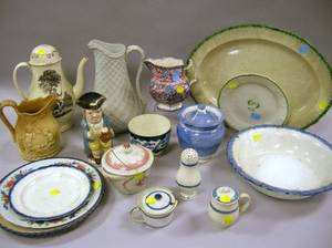 Seventeen Pieces of Assorted 19th Century English and Chinese Export Ceramic Tableware