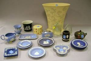Nineteen Assorted Wedgwood Ceramic Table Items and Two Wedgwood Etched Colorless Glass Christmas Table Ornaments