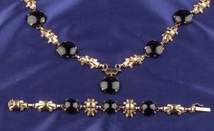 Retro 14kt Gold and Black Nephrite Necklace and Bracelet