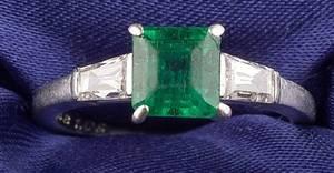 Platinum Emerald and Diamond Ring Van Cleef  Arpels
