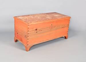Yellow pine blanket chest