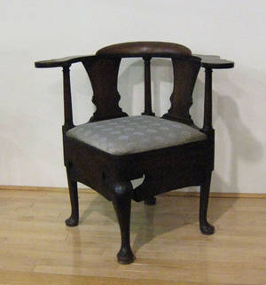 Queen Anne mahogany corner chair ca 1760