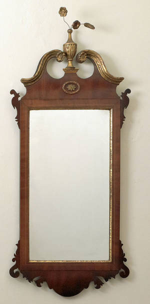 Federal mahogany looking glass ca 1800