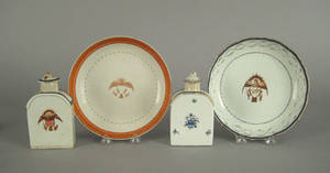 Two Chinese export porcelain tea caddies early 19th c