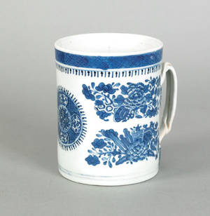 Chinese export blue Fitzhugh mug 19th c