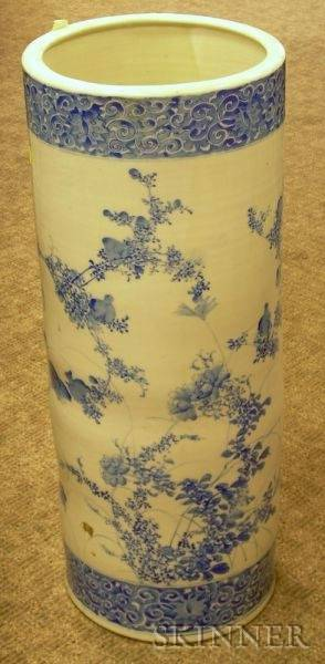 Chinese Blue and White Decorated Porcelain Umbrella Stand