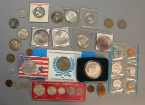 Miscellaneous group of US and foreign coins