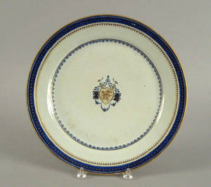 Chinese export porcelain charger ca 1800