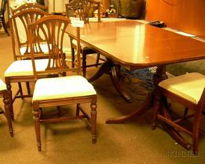 Georgianstyle Mahogany Veneer Doublepedestal Dining Table with a Set of Six Dining Chairs