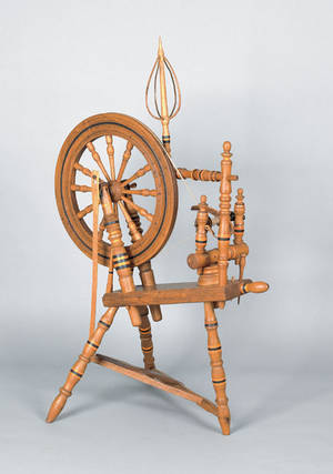 Pennsylvania decorated oak spinning wheel early 19th c