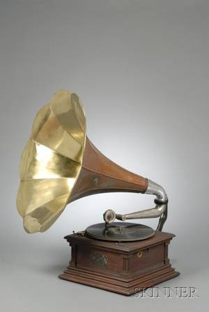 Victor Type M Phonograph
