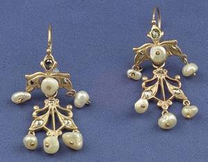 Antique 14kt Gold Rosecut Diamond and Freshwater Pearl Earpendants