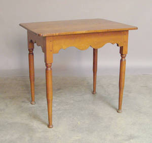 New England Queen Anne maple tavern table