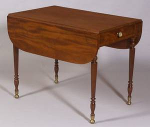 Federal Carved Mahogany and Mahogany Veneer Pembroke Table