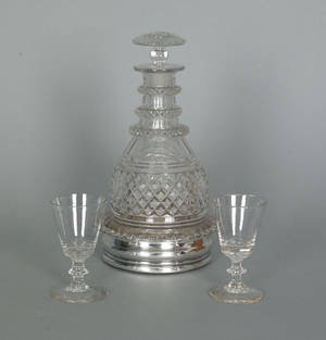 Anglo Irish colorless glass decanter early 19th c