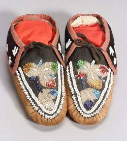 Pair of Northeast Beaded Hide and Cloth Mans Moccasins