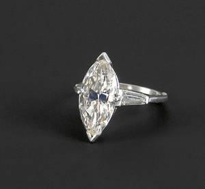 Diamond ring in a platinum arthritic setting