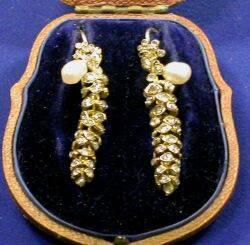 Art Nouveau 18kt Gold and Diamond Earpendants