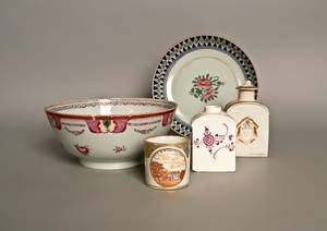 Five pieces of Chinese export porcelain