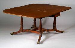 Federal Mahogany Extension Dining Table