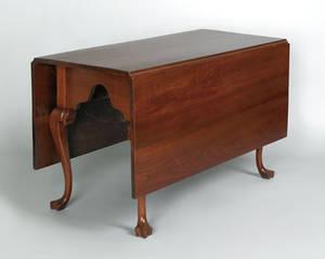 Pennsylvania Queen Anne walnut dining table ca 1765