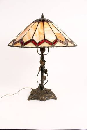 Leaded Glass Frog  Lily Pad Motif Table Lamp