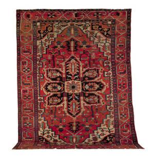 Roomsize Heriz rug ca 1910