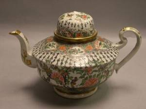 Chinese Export Porcelain Rose Canton Teapot