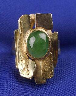 24kt and 18kt Gold and Jadeite Ring