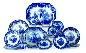 Collection of Scinde pattern flow blue ironstone to include platter