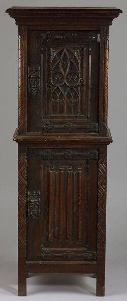 Gothicstyle Oak Side Cabinet