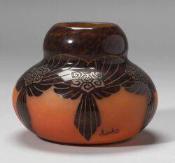 Charder Le Verre Francais Cameo Glass Vase c 19261933