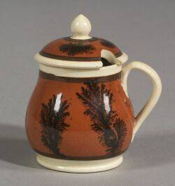 Pearlware Balusterform Mustard Pot and Cover