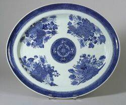 Large Oval Chinese Export Porcelain Blue Fitzhugh Platter