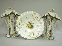 Meissen New Gold Porcelain Fruit Bowl and a Pair of Paris Porcelain Vases