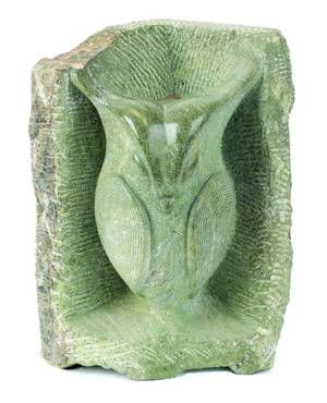 Carved Inuit green soapstone owl