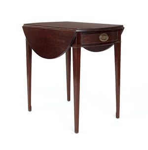 Federal style mahogany Pembroke table