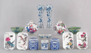 Group of Contemporary Chinese porcelain