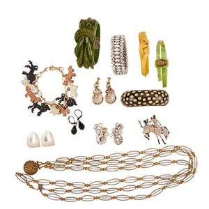 16 pieces of costume jewelry incl trifari