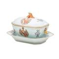 Armorial porcelain tureen and underplate