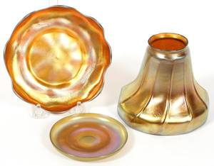 GOLD FAVRILE STYLE GLASS SHADE  PLATES