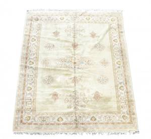 Hand Woven Agra Room Size Rug  9 5 x 13 7