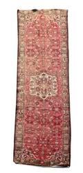 Hand Woven Persian Hossainabad Rug 3 4 x 10 4